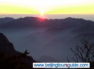 Sunrise on Huangshan